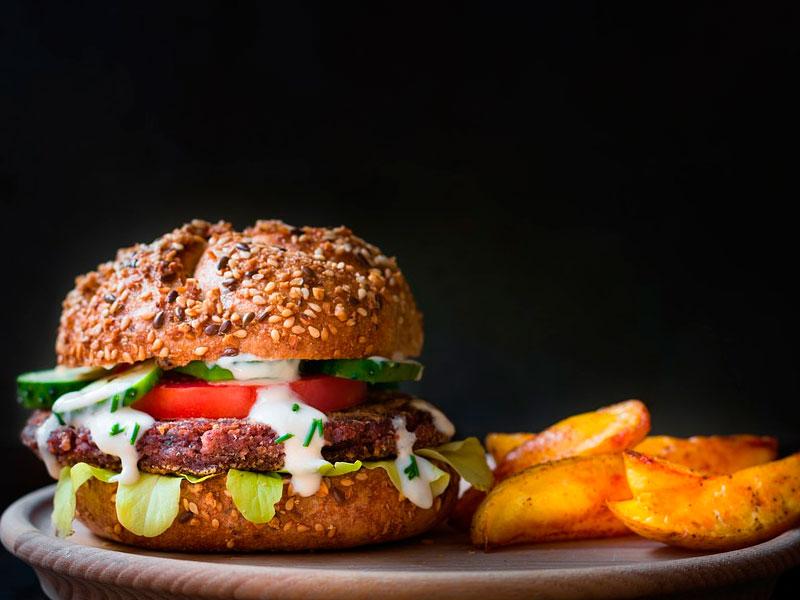 hamburguesa de avestruz con salsa de yogur - Carnes Carrasquilla